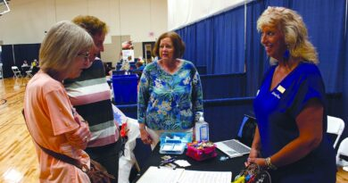 expo-helps-seniors-connect-with-services-|-news,-sports,-jobs-–-marshalltown-times-republican