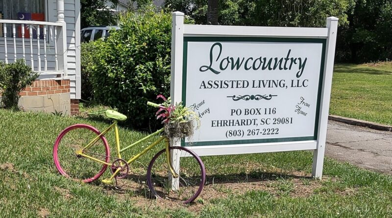 edisto-hospice-gives-rockers-to-local-assisted-living-–-walterboro-live