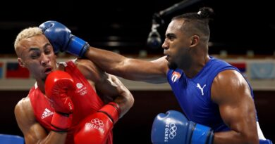 cuba's-arlen-lopez-defeats-britain's-benjamin-whittaker-to-win-light-heavyweight-gold-medal-at-tokyo-olympics-–-espn