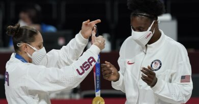 fowles'-diary:-teary-as-she-wraps-us-career-with-4th-gold-–-associated-press